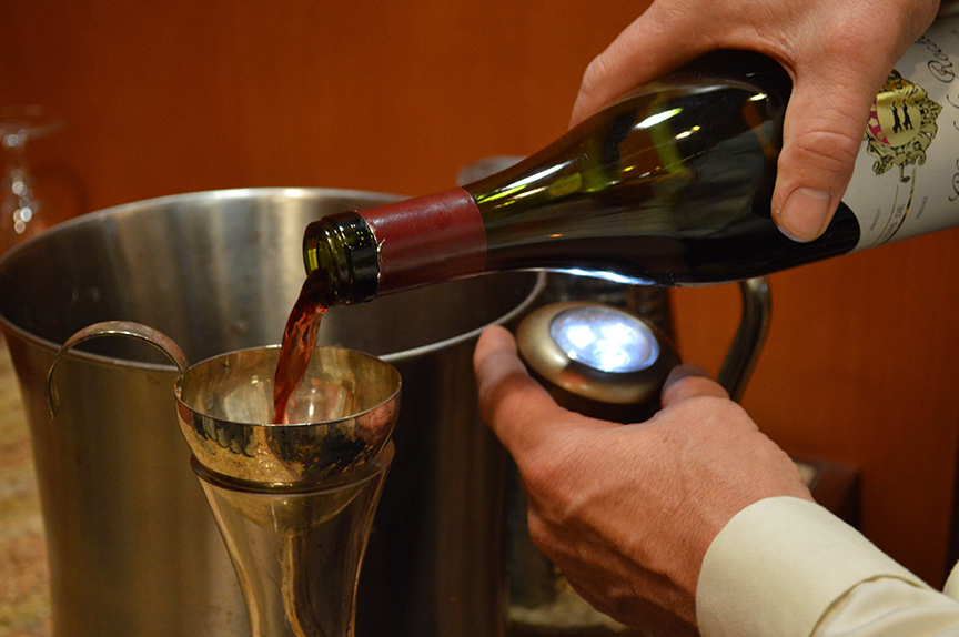 decanting-with-a-candle
